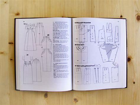libro the pattern base over libros de patronaje betsy costura