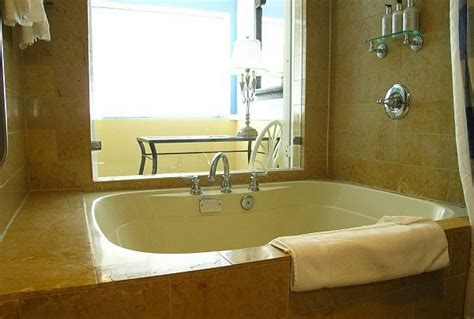 hotel rooms with bathtubs hotel rooms with jacuzzi 174 suites hot tubs excellent