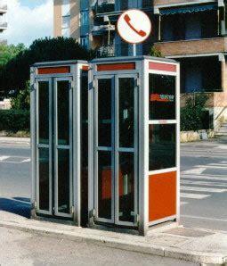 cabine telefoniche pubbliche parole grosse cabine telefoniche addio