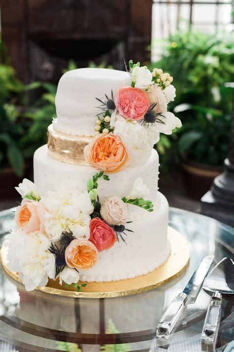 Trendy Wedding Cake Styles, Designs and Toppers