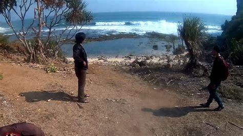 Bola Pantai Ukuran Besar Untuk Bermain Dipantaikolamtempat Wisata melepas rasa kangen ke pantai ngeden
