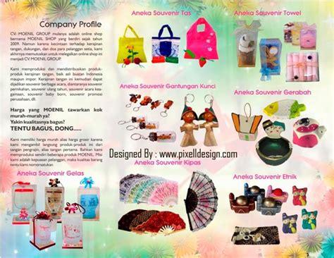 Tas Tangan Dan Souvenir contoh brosur kerajinan dan souvenir dengan corak unik