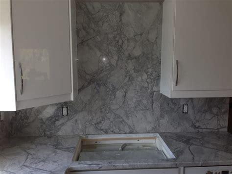 Granite Countertops Troy Mi by White Kitchen Granite Countertops With Granite Backsplash And Cooktop Cut Out