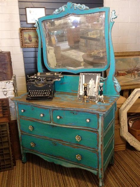 chalk paint colors distressed a facelift with chalk paint 174 in the color florence