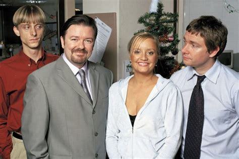 lucy davis dawn tinsley the office star lucy davis at peace after beating