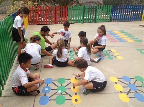 imagenes educativas juegos de patio trazos de colores dinamizaci 211 n de patios juegos