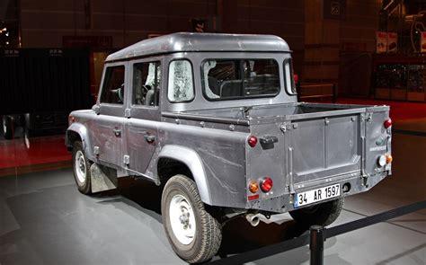 range rover truck in skyfall έκθεση παρισιού 2012 to land rover defender της νέας