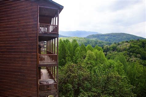 Cabins To Stay In Gatlinburg Tn 5 Rental Companies With The Best Places To Stay In