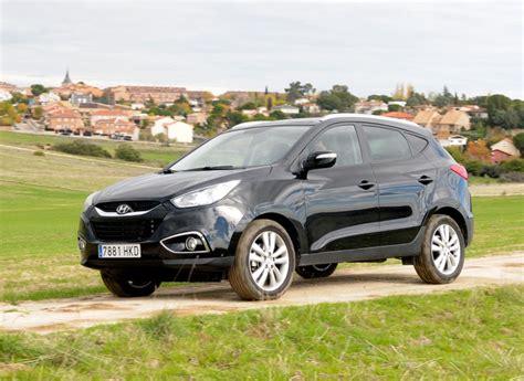 Hyundai Ix35 Or Kia Sportage Compare Kia Sportage To Hyundai Santa Fe Html Autos Weblog