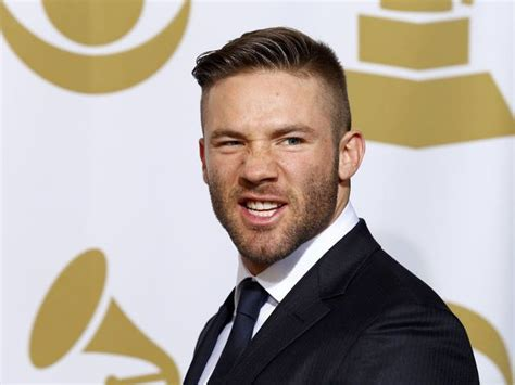 julian edelman haircut 25 football player hairstyles to inspire your next cut