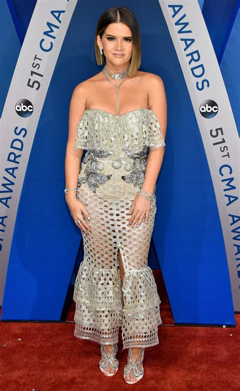 cma models the wildest outfits from the 2017 cma awards xania news