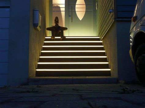 beleuchtung treppenstufe licht und kunst projektbilder