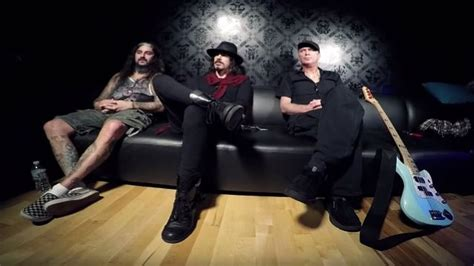 winery dogs the winery dogs discuss new song oblivion blabbermouth net