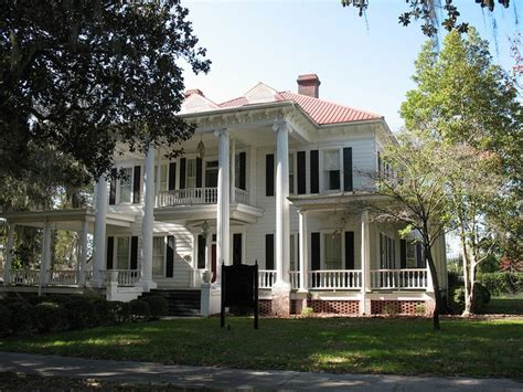 barber tucker house moultrie ga by posrus via flickr