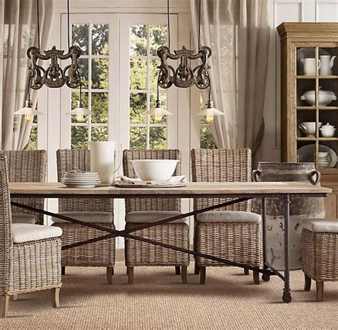 hunt   perfect kitchen table driven  decor