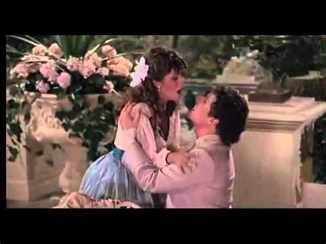 pretty woman bathtub scene pretty woman vivian julia roberts sings kiss in tu