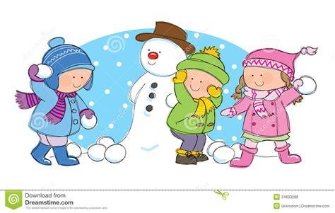 le clipart enfants ayant le combat de boule de neige photos libres de