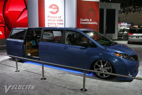 Toyota Swagger Wagon Toyota Swagger Wagon Supreme Images
