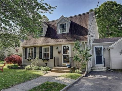 homes for sale in ri riverside and nearby real estate