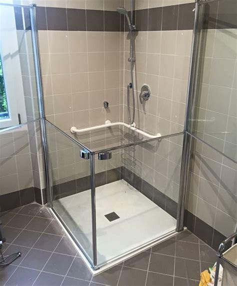 piatto doccia per disabili accessibilit 224 doccia per disabili fiordalisi it