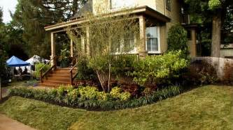 How To Landscape Your Front Yard Front Yard Landscaping Ideas Diy