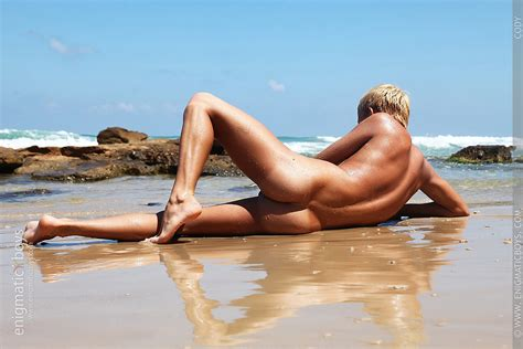 Golden Adonis On The Beach Twinks Gay Male Pictures Pictures Luscious