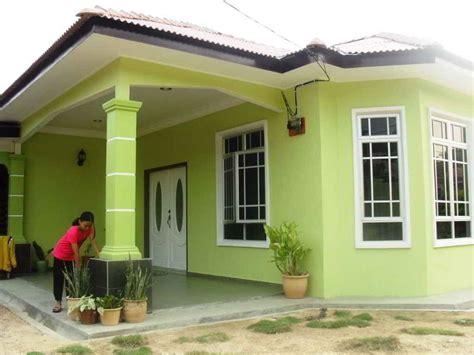 perpaduan warna cat hijau rumah minimalis tampak depan