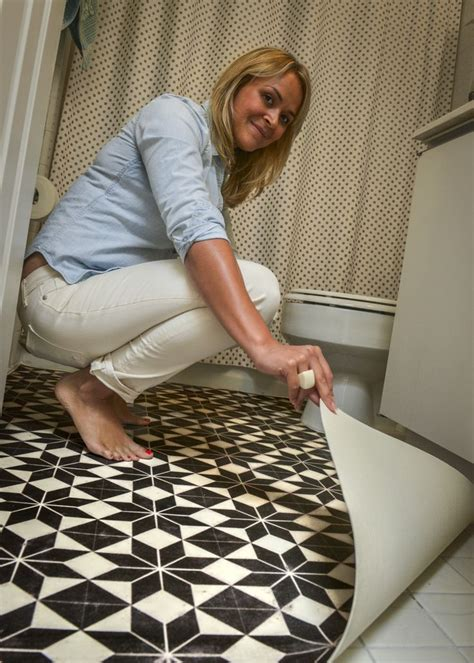 Bathroom Floor Covering Ideas by 25 Best Ideas About Vinyl Floor Covering On