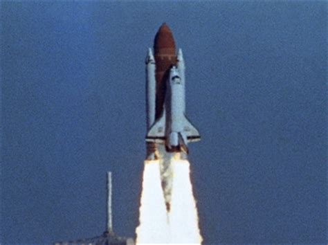 challenger disaster recovery photos challenger explosion facts summary history