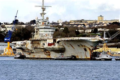 portaerei francesi storia della portaerei clemenceau
