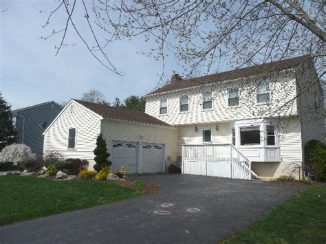 home for sale in manalapan nj 10 castleton court