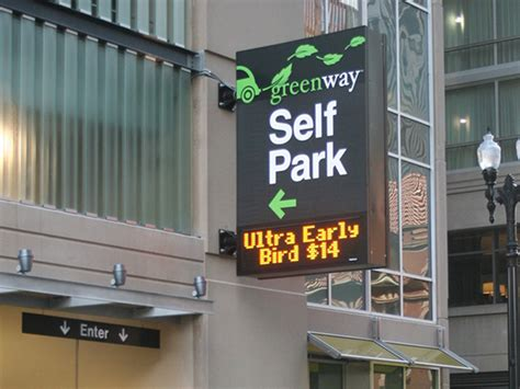 Parking Garages In Chicago by Chicago Parking Garage Harvests Energy From Windy City