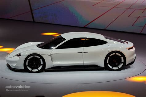 electric porsche porsche mission e concept revealed in frankfurt with 600