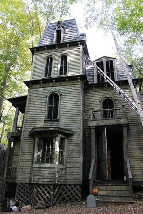 how to build a victorian house 25 best ideas about haunted houses on pinterest