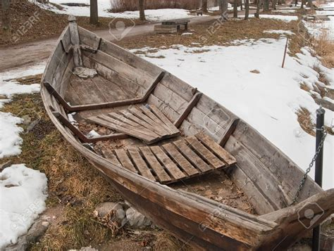 old wooden boat small wood boat old www pixshark images galleries