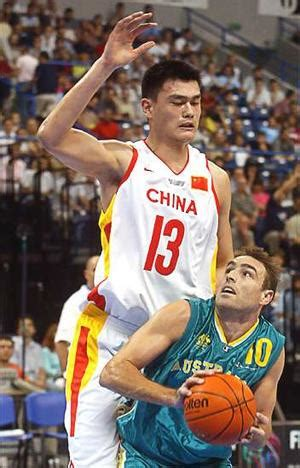 giants players on boat yao ming the basketball giant made in china by order of