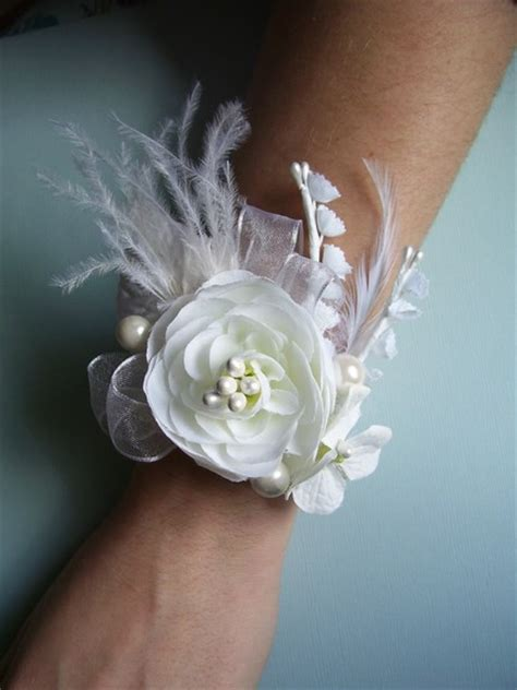 prom corsage central 2012 sneek peak prom corsages