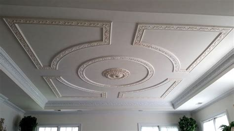 Moulding For Ceiling Design by 25 Best Ideas About Plaster Mouldings On