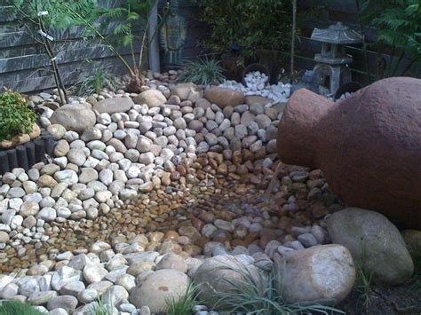 River Rock Gardens Top 25 Ideas About River Rock Ideas On River Rock Gardens Bed And Water Features