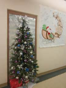 Ideas for decorating an office door for christmas decoration homes