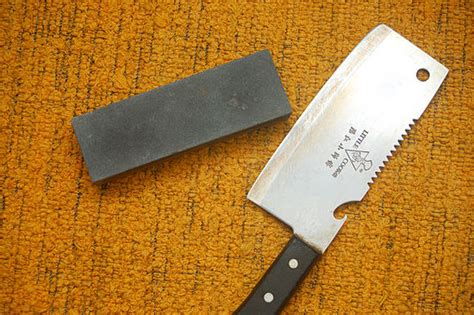 how do you sharpen a kitchen knife how do you sharpen kitchen knives 28 images staying