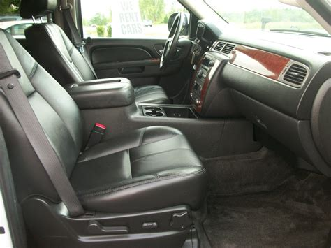 2010 Chevy Tahoe Interior by 2010 Chevrolet Tahoe Pictures Cargurus