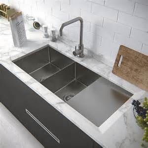 Kitchen Designs With Corner Sinks Corner Sink Kitchen With Attractive Layout To Tweak Your Kitchen Homestylediary