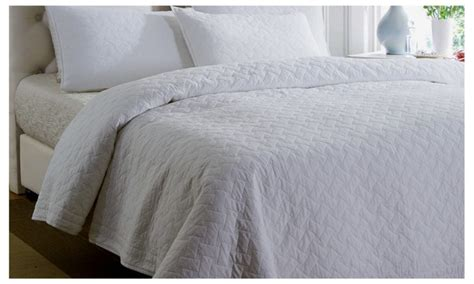 white matelasse coverlet queen white 100 cotton matelasse bedspread set quilt set
