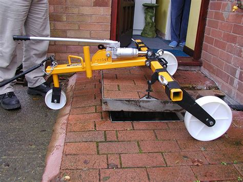 hydraulic manhole cover lifter sdh  probst