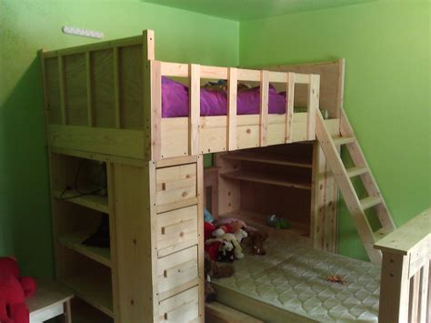 Cabin Bunk Beds by Simple Cabin Bunk Bed Diy Project The Homestead