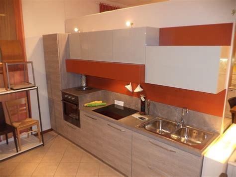 arredo cucina moderna piccola free arredo per cucina arredo lavanderia bagno arredo