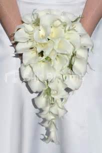 Picasso Calla Lily Ivory Calla Lily Amp Fern Cascading Bridal Bouquet With Crystals 137 28 Silk Wedding Flowers