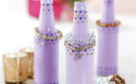 porta braccialetti 5 modi per riciclare le bottiglie di vetro lifegate