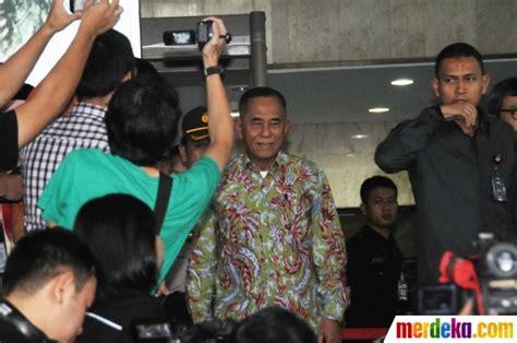 Kemeja Sarimbit Batik Persib foto tiga bulan jabat menhan ryamizard ryacudu baru lapor harta ke kpk merdeka